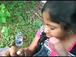Desi Babe sexy blowjob 3